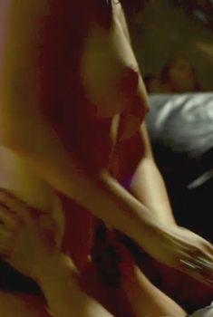 Пом Клементьефф засветила голую грудь в фильме Hackers Game, 2015