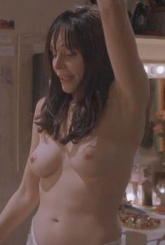 Голая Присцилла Барнс в фильме «Постовой на перекрестке», 1995