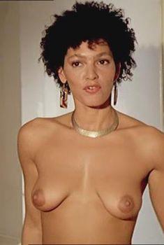 Голая Рафаэлла Оффидани в фильме «Улыбка лисицы», 1992