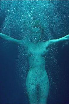 Голая Ребекка Ромейн в фильме «Роковая женщина», 2002