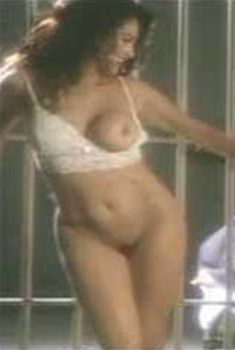 Голая Ребекка Ферратти в сериале «Эротические признания», 1994