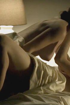 Голая Рэйчел Броснахэн в сериале «Карточный домик», 2013