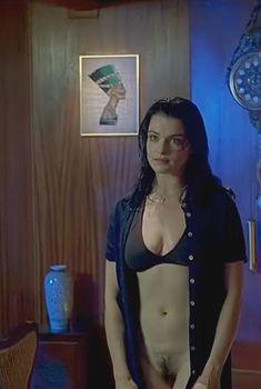 Голая Рэйчел Вайс в фильме «Я тебя хочу», 1998