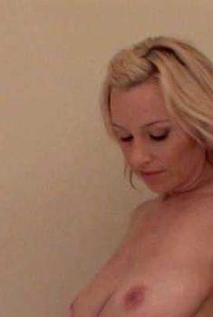 Голая Рэйчел Роббинс в фильме «Кровавая баня для девушек в бикини 2. Автомойка», 2008