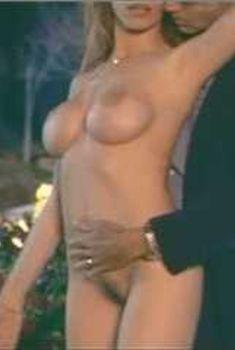 Голая Саманта Филлипс в сериале «Бухта страсти. Восходящие звезды», 2000