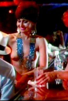 Голая Саманта Фокс в фильме «Древнейшая профессия», 1985