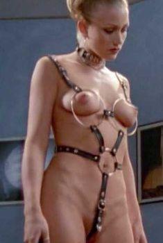 Голая Сара Джеймс в фильме «Ключ к сексу», 1999