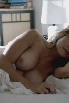Голая Саша Александр в сериале «Бесстыдники», 2011