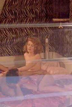 Голая Серена в фильме «Жесткач», 1978
