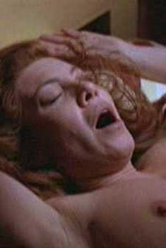 Голая грудь Сесилии Рот в фильме Lucia Lucia, 2003