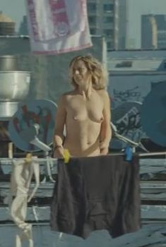 Сесиль Де Франс оголилась в фильме «Китайская головоломка», 2013