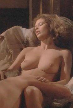 Голая Сильвия Кристель в фильме «Мата Хари», 1985