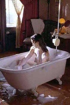 Голая Синди Кроуфорд в фильме «Потомки обезьян», 2000