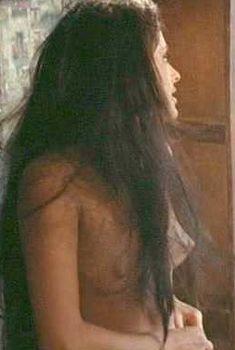 Голая Соледад Миранда в фильме «Сто винтовок», 1969