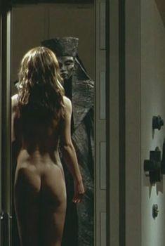 Голая попка Софи Марсо в фильме «Белфегор – призрак Лувра», 2001
