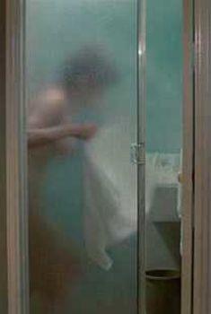 Голая Стейси Нелкин в фильме «Хэллоуин 3. Сезон ведьм», 1982