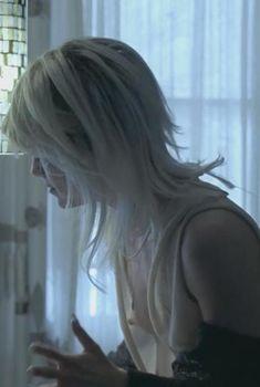 Сэльма Блэр засветила грудь в фильме «Дом покера», 2007