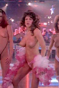Красотка Тери Вейгель показала голую грудь в фильме «Кровь невинных», 1992