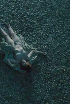 Тони Коллетт без одежды в фильме «Мертвая девочка», 2006