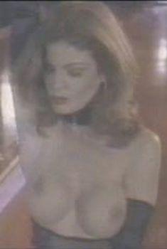 Голая Тэмми Паркс в фильме «Ночной стриптиз 2», 1995