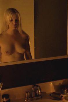 Голая Уитни Эйбл в фильме «Темнота», 2015