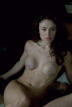 Голая Флора Мартинез в фильме «Росарио – Ножницы», 2005