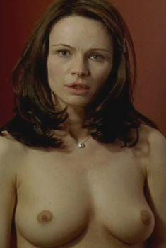 Франческа Нери снялась голой в фильме «Живая плоть», 1997