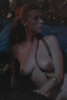 Голая Хелен Миррен в фильме «Калигула», 1979
