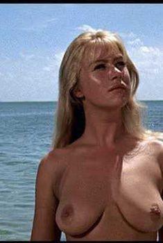Голая Хелен Миррен в фильме «Совершеннолетие», 1968