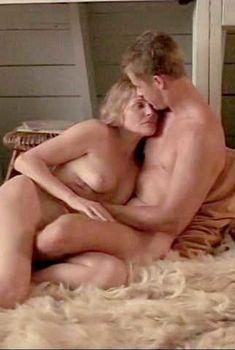 Хелен Шейвер снялась голой в фильме Rowing Through, 1996