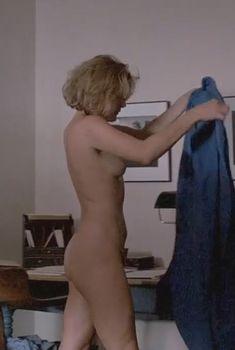 Голая Хелен Шейвер в фильме «Верующие», 1987