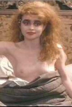 Голая Хелена Бонем Картер в фильме «Всё как надо», 1989