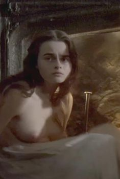 Голая Хелена Бонем Картер в фильме «Леди Джейн», 1985