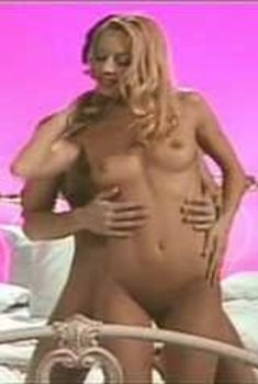Полностью голая Холли Сэмпсон в фильме «Платиновая блондинка», 1931
