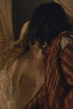 Голая Холлидей Грейнджер в сериале «Борджиа», 2011