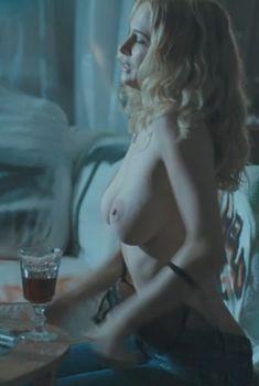 Голая Хизер Грэм в фильме «Буги-вуги», 2009
