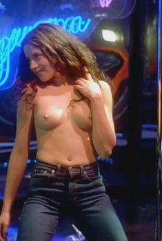 Голая Шарлотта Айянна в фильме «Танцы в «Голубой игуане»», 2000