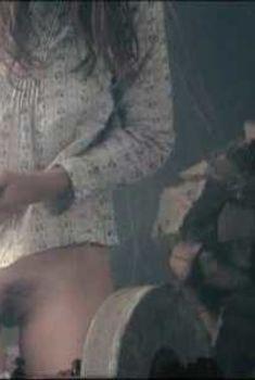 Голая Шарлотта Генсбур в фильме «Антихрист», 2009
