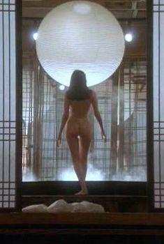 Голая Шарлотта Льюис в фильме «Сторивилл», 1992