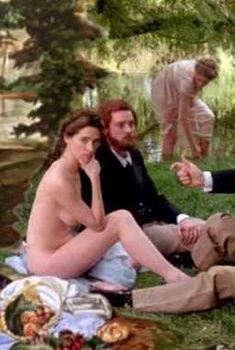 Голая Шейла Келли в фильме «Дом там, где сердце», 1990