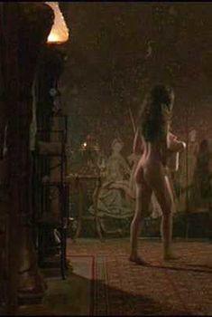 Голая Шейла Келли в фильме «Некоторые девчонки», 1988