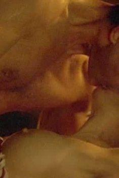 Шэрон Стоун показала голую грудь в фильме «Двойной агент», 2004