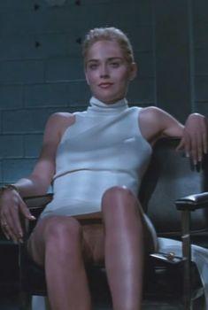 Голая Шэрон Стоун в фильме «Основной инстинкт», 1992