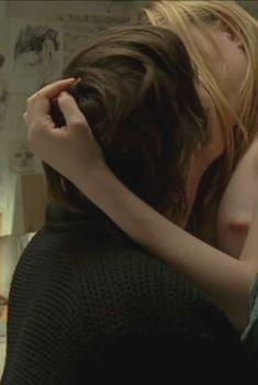 Голая Эван Рэйчел Вуд в фильме «Через Вселенную», 2007