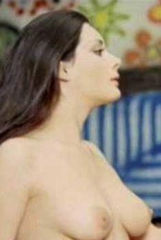 Эдвиж Фенек снялась голой в фильме «Ирис в крови», 1972