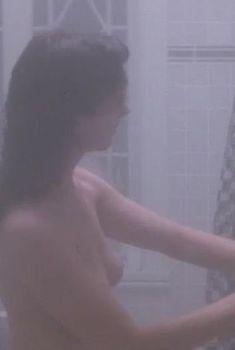 Голая Элизабет Перкинс в фильме «Он сказал, она сказала», 1991