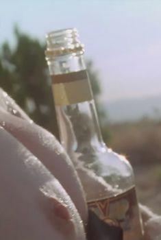 Голая Элизабет Шу в фильме «Покидая Лас-Вегас», 1995