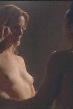 Голая Элисон Иствуд в фильме «Потерянный ангел», 2005