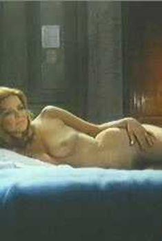 Голая Эллен Бёрстин в фильме «Тропик Рака», 1970