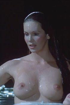 Голая Эль Макферсон в фильме «Сирены», 1994